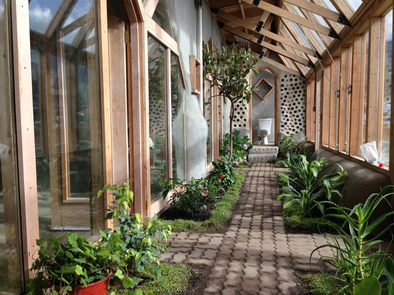 Earthships the future of sustainable living the fetch blog for Green living homes