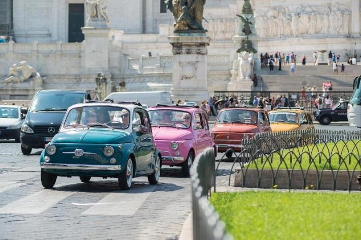 Fiat 500s rule the road, a pop-up guide to Rome